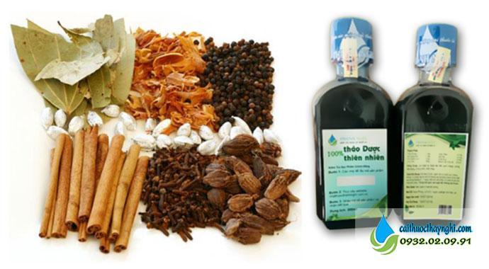 Nước súc miệng được làm từ các thảo dược thiên nhiên giúp cai thuốc lá