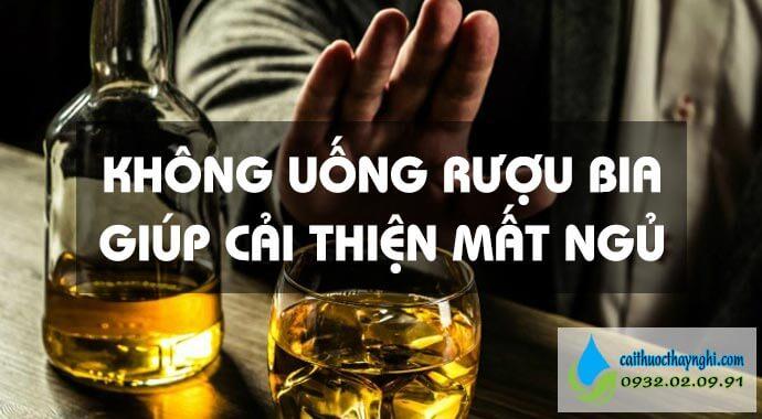khổng uống rượu bia giúp cải thiện mất ngủ