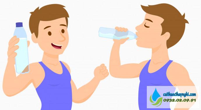 giữ cho cơ thể đủ nước