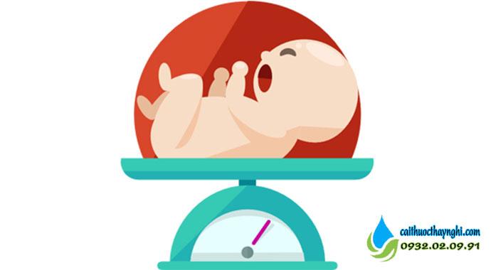 trẻ sơ sinh nhẹ cân